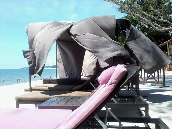 Lotus Desaru Beach Resort: Small gazebo