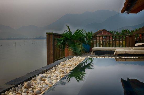 Vedana Lagoon Resort & Spa: Early morning