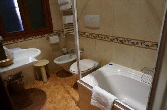 Antico Panada: 浴室