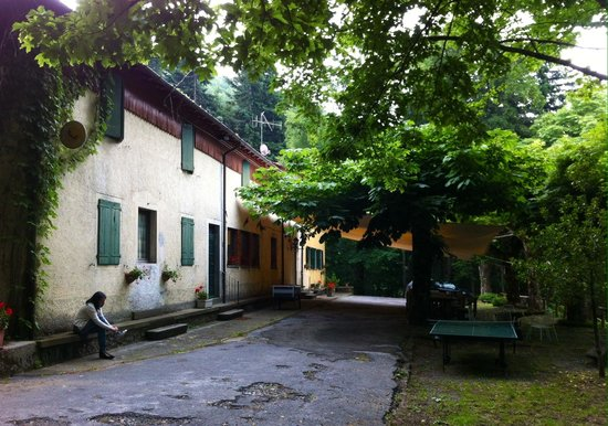 Maresca, Italija: Il Capannone. Nei mesi estivi ci sono molte più persone, ma si trova sempre il propri spazio.