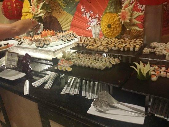 Grand Bahia Principe Punta Cana: Sushi in buffet