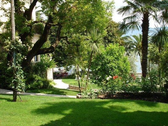 Hotel Villa Giulia: Gartenanlage