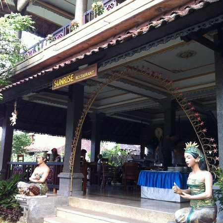 Cendana Resort and Spa : Restaurant where daily breakfast is served