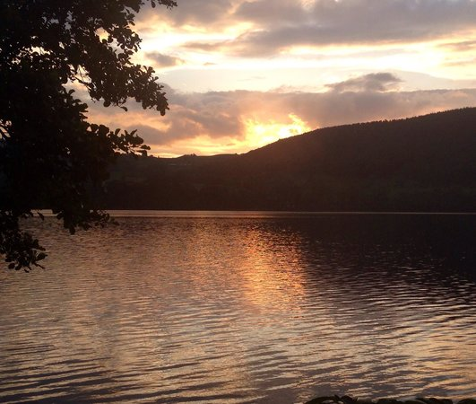 Waterside House Campsite: Amazing sunsets