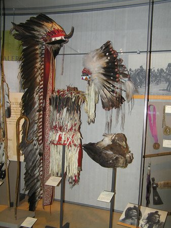 Museum of the Plains Indian: copricapi