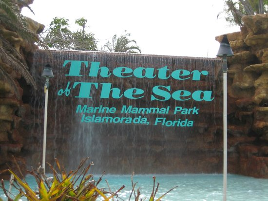 Theater of the Sea: Sign Entrance