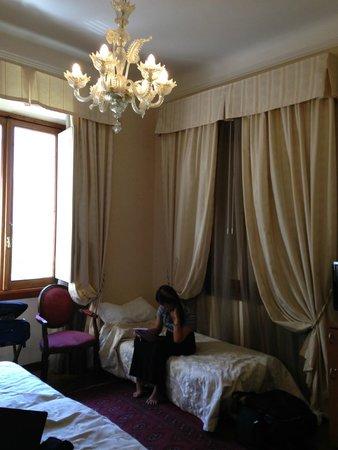 De Rose Palace Hotel: Bedroom