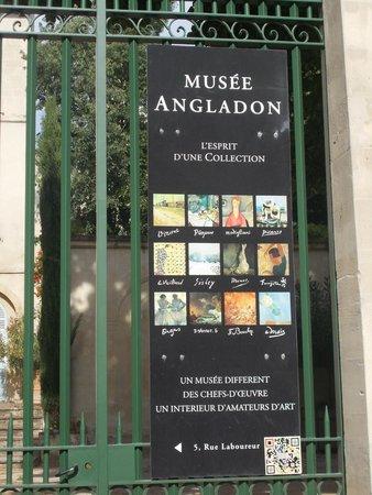 阿维尼翁安格拉东博物馆