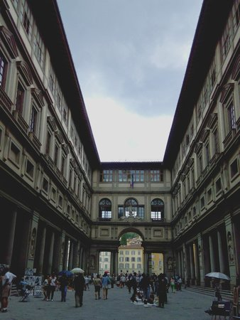 Galerie des Offices : commerce and art at the uffizi
