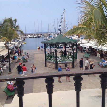 Hotel The Puerto de Mogan: people watching