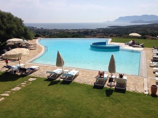 Hotel Luna Lughente : veduta con piscina