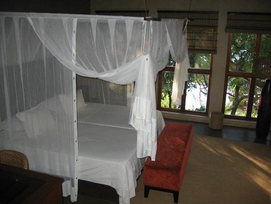 Divava Okavango Resort & Spa: bedroom