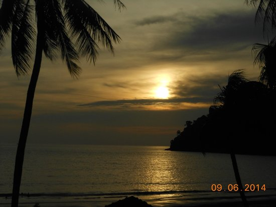 Pangkor Island Beach Resort: Sunset by your dining site every evening.