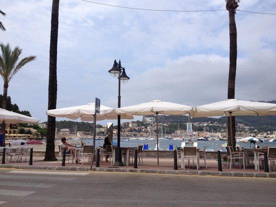 Restaurant Es Canyis: Vista al mar