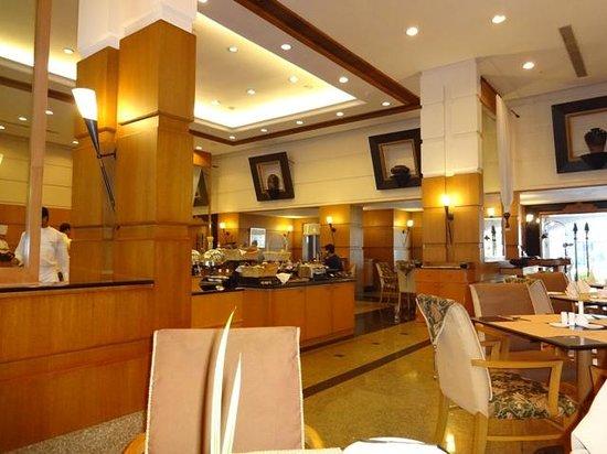 Trident, Cochin: restaurant