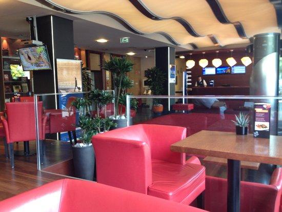 Novotel Budapest Danube: The Lobby