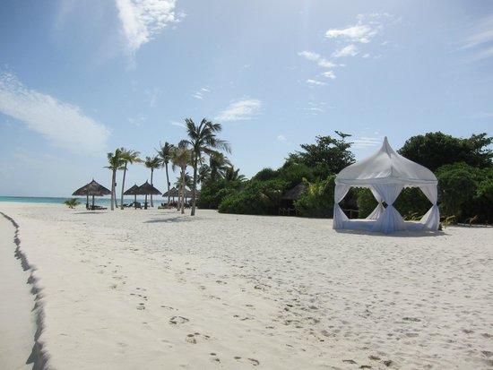 Kuredu Island Resort & Spa: Strand