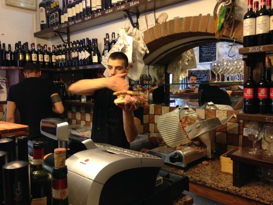 All' Antico Vinaio : Busy making sandwiches