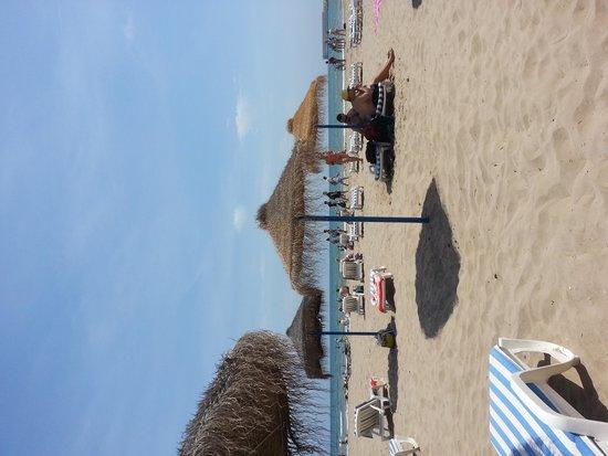 Ayre Hotel Astoria Palace: Valencia beach