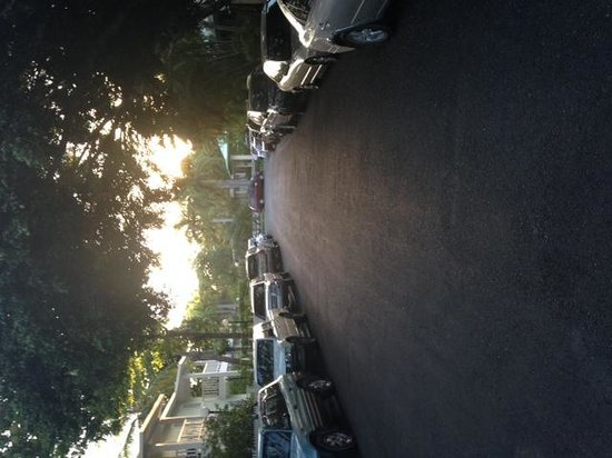 ClubHotel Riu Merengue: The whole street - filled with cars up on the curbs
