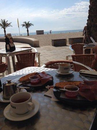 Hotel Castilla Alicante: Frukost vid Playa San Juan.