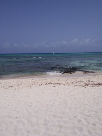 Sandos Caracol Eco Resort : another beach view