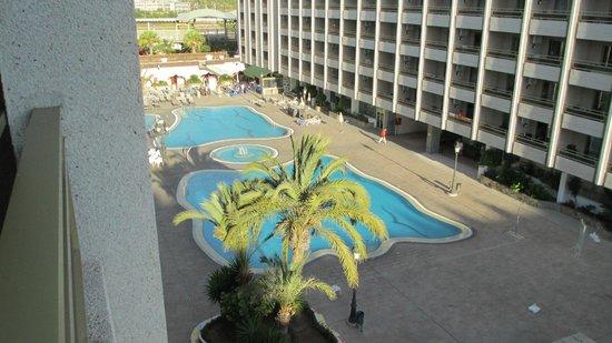 Kn Aparthotel Columbus: Pool area