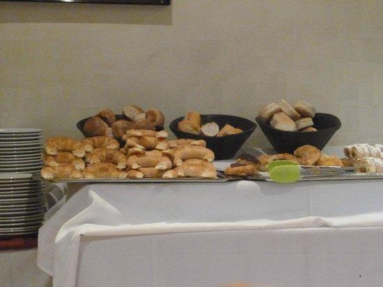 Salles Hotel: desayuno