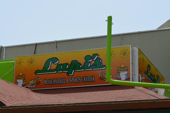 Lupi's Mexican Grill & Sports Cantina: Lupi's Mexican Grill and Cantina, Isla Verde