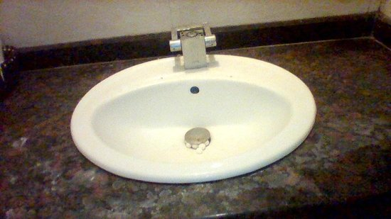 Hotel City Premier: Faucet itself is missing!! And they expected me to put up with it, and I had to.