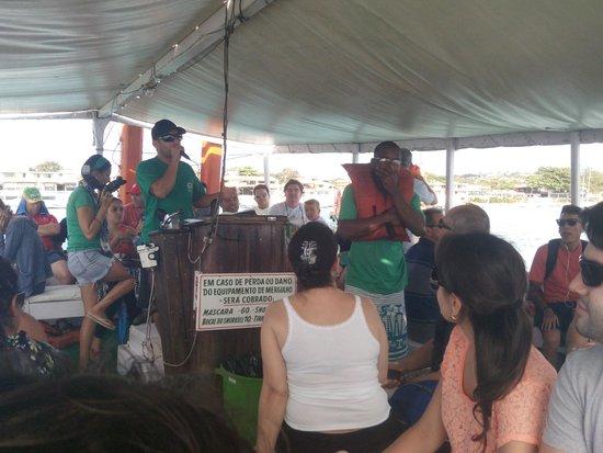 Armacao Beach : Passeio de escuna