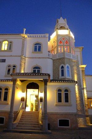 Bela Vista Hotel & Spa: L'hôtel en soirée .