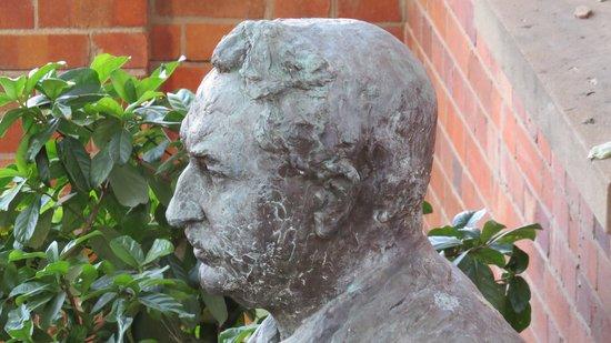 Kimberley Club: Rhodes in the garden