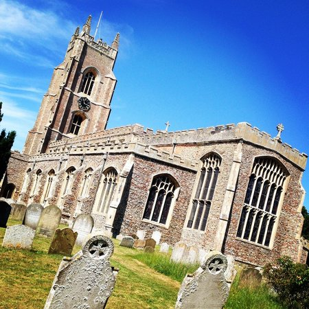 The Crown, Stoke By Nayland : The local church on a beautiful sunday morning