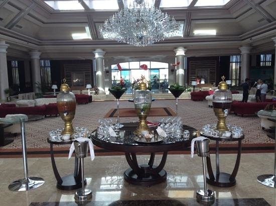 Rixos Sharm El Sheikh: Stunning reception and welcoming drinks