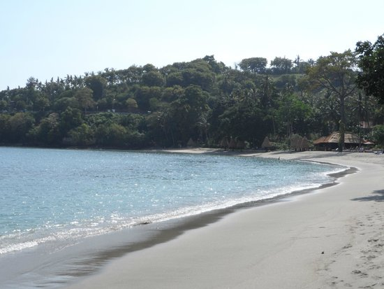 Mascot Beach Resort : Belle Plage juste en face.