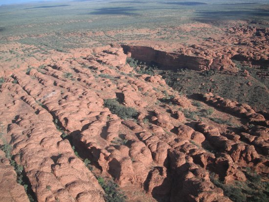 Kings Canyon: Domes from the helicopter