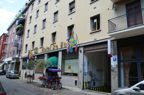 Hotel Re Enzo : Front of hotel