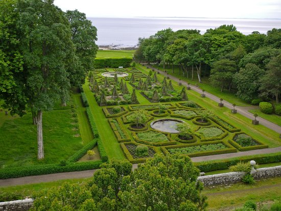Dunrobin Castle and Gardens : One of the gardens with the sea in the background