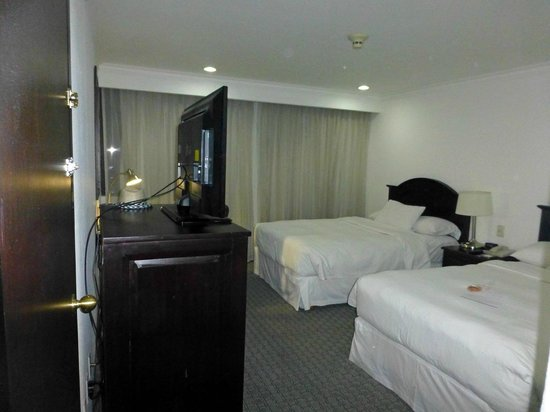 Hilton Mexico City Airport: Zimmer