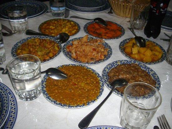 Restaurant La Medina: Vegetable starters - Lentils, eggplant, carrots, white beans, etc.