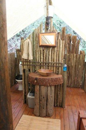 Quatermains 1920s Safari Camp: warm shower and flush toilet