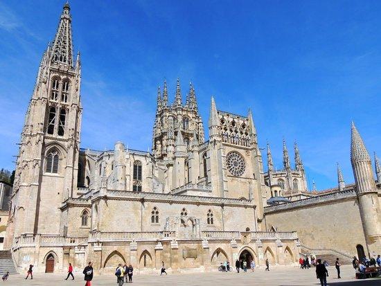 Catedral de Burgos: A Catedral e suas torres