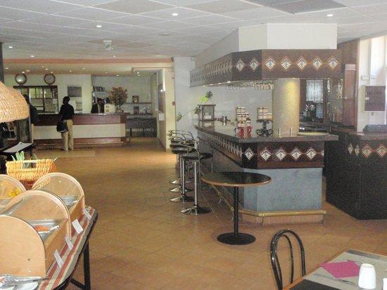 Mercure Comercial Santo Domingo: Hall da recepção e bar