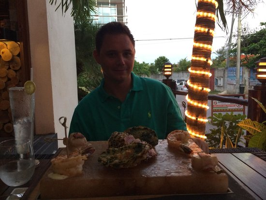 PLANK Gourmet grill & patio bar: Seafood sampler