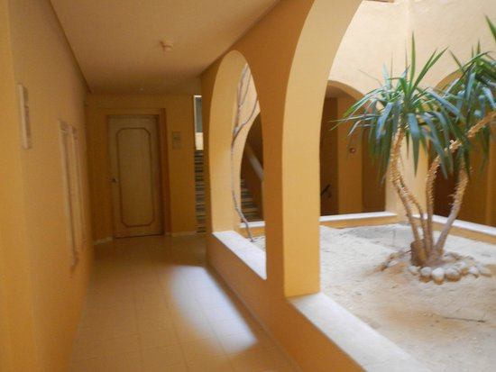 Ksar Jerid Hotel : Vue devant la chambre