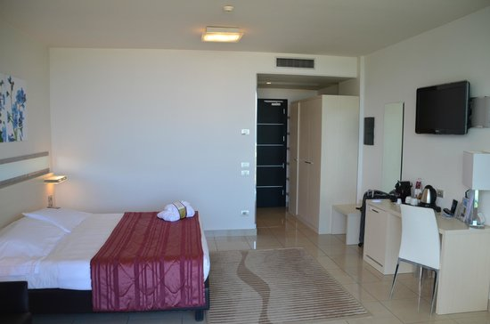 Mercure Rimini Artis : Room from balcony