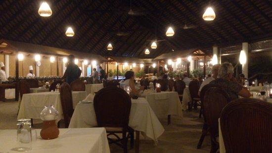 Angaga Island Resort : Restaurant