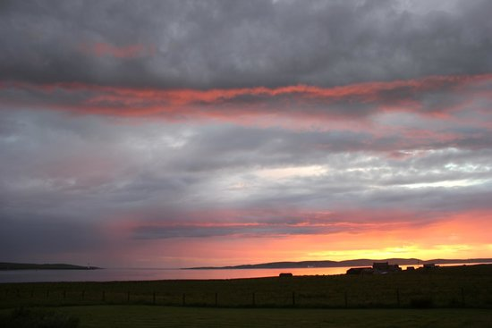 Buxa Farm Chalets & Croft House : View of sunset from Croft House