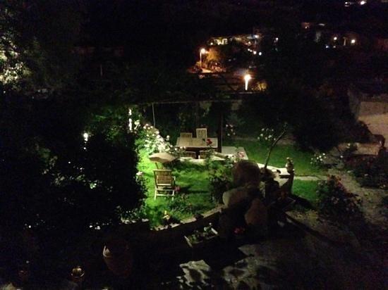 Kelebek Special Cave Hotel : garden outside 103
